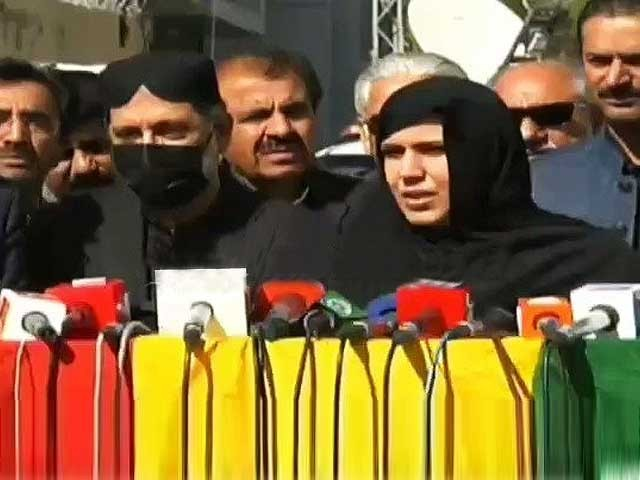 لاشوں کے ہمراہ احتجاج کرنے والوں کے پاس آنے میں بھی وزیر اعظم کو دقعت ہو رہی تھی،سردار اختر مینگل ۔ فوٹو : سوشل میڈیا