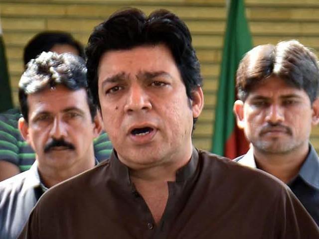 فیصل واوڈا کی نااہلی کے لئے الیکشن کمیشن میں بھی درخواست زیر سماعت ہے فوٹو: فائل