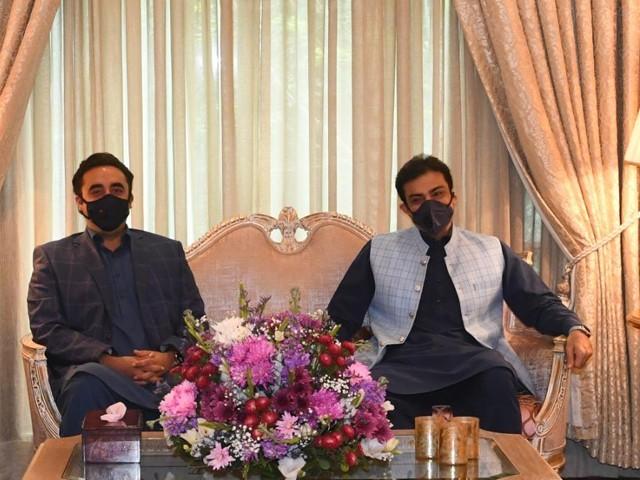 حمزہ شہباز نے ماڈل ٹاؤن لاہور میں اپنی رہائش گاہ پر بلاول بھٹو زرداری کے اعزاز میں ظہرانہ دیا فوٹو: ایکسپریس