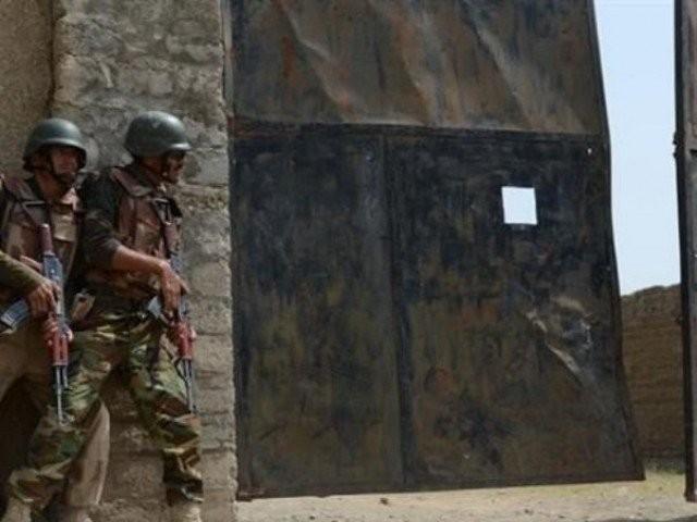 فورسز نے شمالی وزیرستان دتہ خیال اور جنوبی وزیرستان زوئیدا میں خفیہ اطلاعات پر کارروائی کی، آئی ایس پی آر . فوٹو : فائل