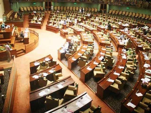 سندھ اسمبلی میں نشستوں پرلوٹوں کے پوسٹرچسپاں دیکھ کراسلم ابڑو کو حکومتی بینچز پر بٹھا دیا گیا۔ فوٹو:فائل