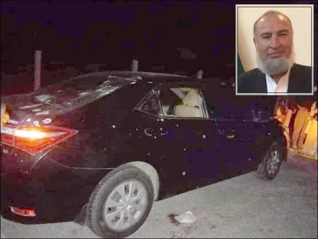 ڈرائیور اور گن مین شدید زخمی، ملزمان نے فائرنگ انبار انٹرچینج کے نزدیک کی، پولیس کا سرچ آپریشن شروع (فوٹو : فائل)