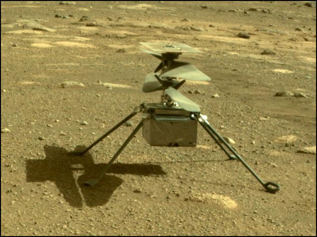 انجینیٹی: مریخ کی سطح پر قدم جمانے کے فوراً بعد۔ (تصاویر: ناسا/ جے پی ایل/ وکی میڈیا)