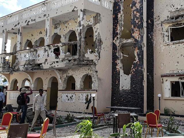 دھماکے میں گورنر بال بال بچ گئے، فوٹو : فائل