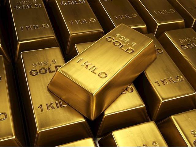 فی تولہ سونے کی قیمت 102000روپے اور 10 گرام کی قیمت 87448 روپے ہوگٸی