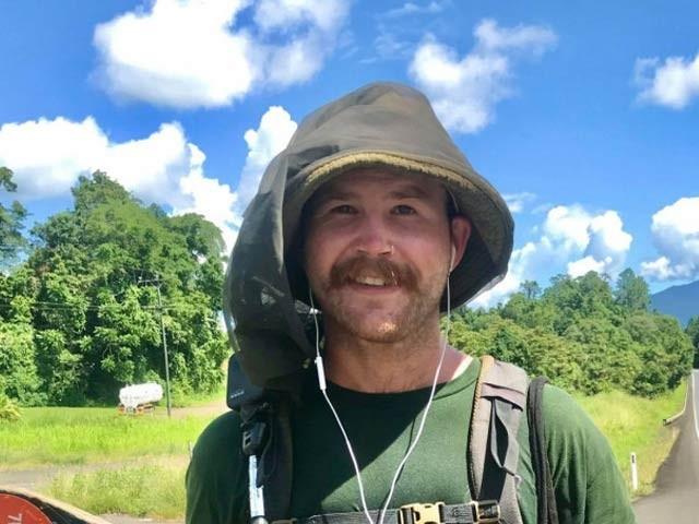 ٹام ڈروری نے کئی ماہ کی گرمی ، سانپوں کی موجودگی اور مشکلات کے باوجود 4000 کلومیٹر کا سفر اسکیٹنگ پر طے کیا۔ فوٹو: سی این این