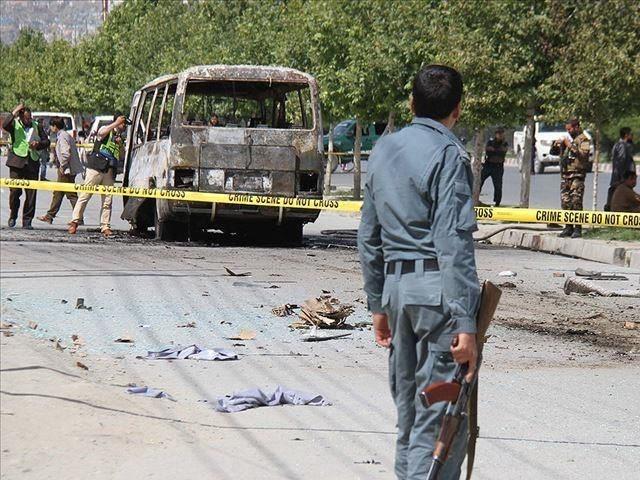 بلخ میں طالبان نے 5 اہلکاروں کو یرغمال بھی بنالیا۔ فوٹو: فائل