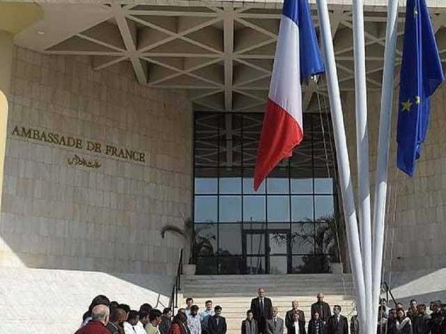 فرانسیسی شہریوں کو کمرشل ایئر لائنز کے ذریعے ملک سے باہر لے جایا جائے گا، فوٹو: فائل