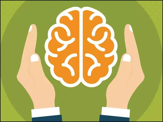 بیماری میں مبتلا ہوکر علاج کروانے سے بہتر ہے کہ مثبت سوچ اور طرزِ عمل اختیار کے ذریعے بیماری کو دور رکھا جائے۔ (فوٹو: انٹرنیٹ)