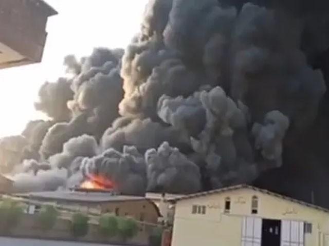 فیکٹری میں آگ لگنے کی وجوہات کا تعین نہیں کیا جا سکا ہے، فوٹو: فائل