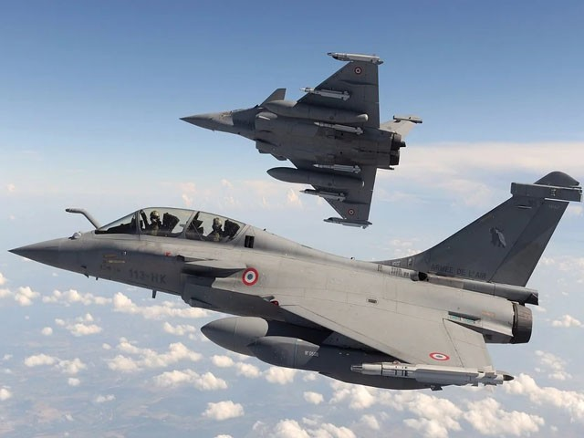 فرانس 2013 سے 2017 تک مصر کو اسلحہ فروخت کرنے والا سب سے بڑا ملک ہے، فوٹو: فائل