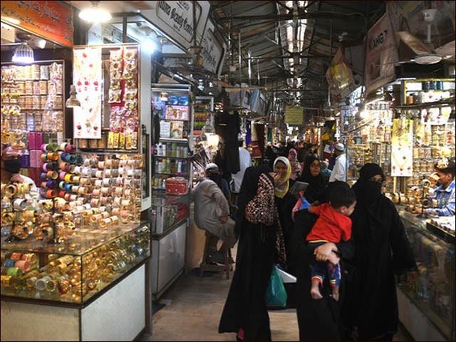 حکومت سندھ نے صوبے میں دو روز سیف ڈیز قرار دئیے تھے جس کے تحت ہر جمعہ اور اتوار کو کاروبار بند ہوتا ہے (فوٹو : فائل)