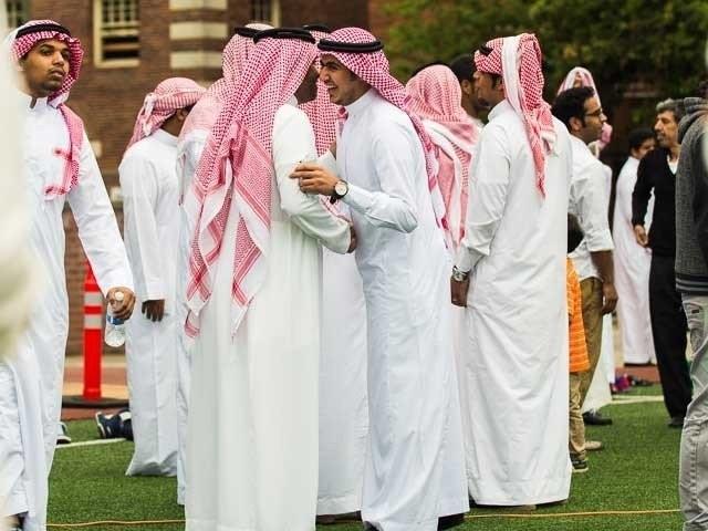 سعودی عرب میں گزشتہ روز شوال کا چاند دیکھے جانے کے کوئی شواہد نہیں ملے . فوٹو : فائل