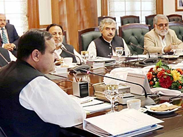 وزیر اعلی پنجاب نے لاہور کے لئے صوبائی حکومت کے منصوبوں پر کام تیز کرنے کی ہدایت کردی فوٹو: فائل