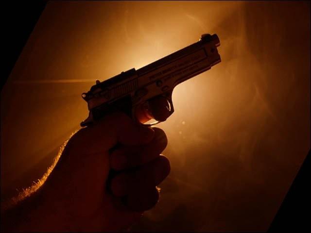 فائرنگ کرنے والوں کو جلد گرفتار کرلیا جائے گا، پولیس فوٹو: فائل