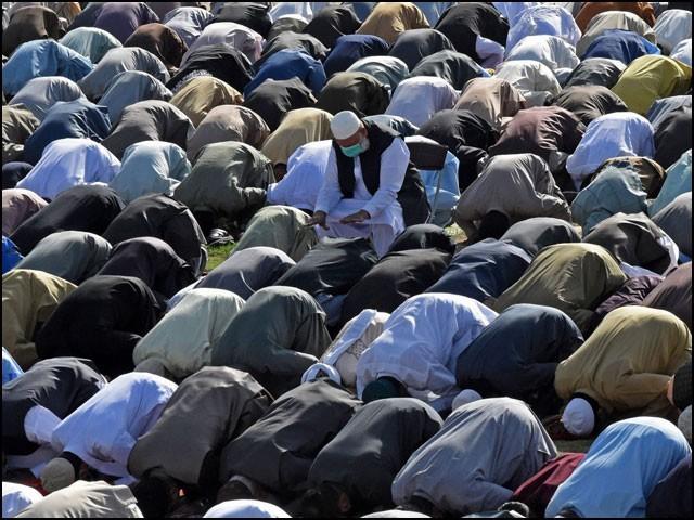 پاکستان میں کئی مقامات پر آج بھی نمازِ عید کے اجتماعات منعقد ہوئے۔ (فوٹو: انٹرنیٹ)