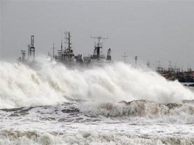 کا رُخ بتدریج شمال مغرب میں بھارتی گجرات کی جانب رہے گا، محکمہ موسمیات۔ فوٹو:فائل
