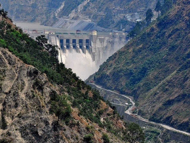 بھارت سندھ طاس کے مطابق ہیڈ مرالہ میں ہر روز 55 ہزار کیوسک پانی دینے کا پابند ہے، ترجمان اریگیشن۔ فوٹو: فائل