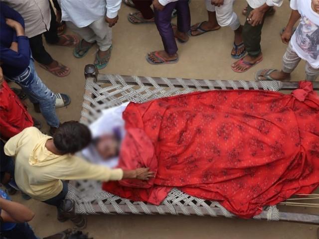 ہندو انتہاپسندوں کے تشدد کے باعث مزید 2 مسلمان نوجوان بھی شدید زخمی ہوگئے۔ فوٹو : کشمیر میڈیا