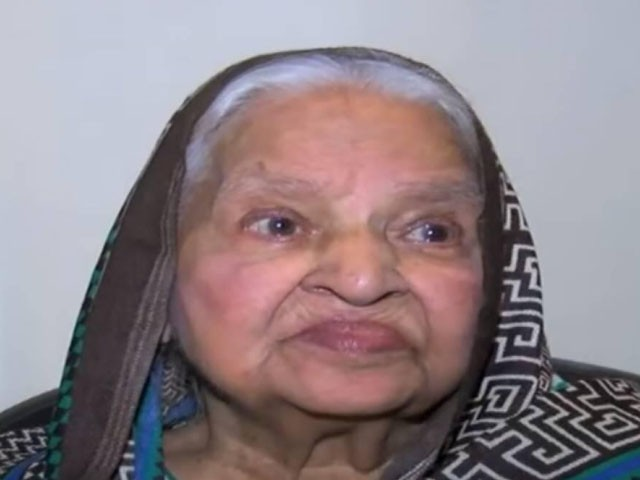 The wife of national anthem composer Hafeez Jalandhari has died at the age of 87