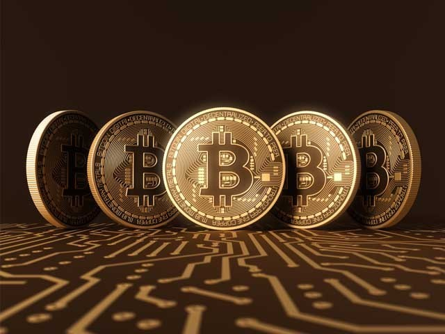 Crackdown against bitcoin, price falls to earth