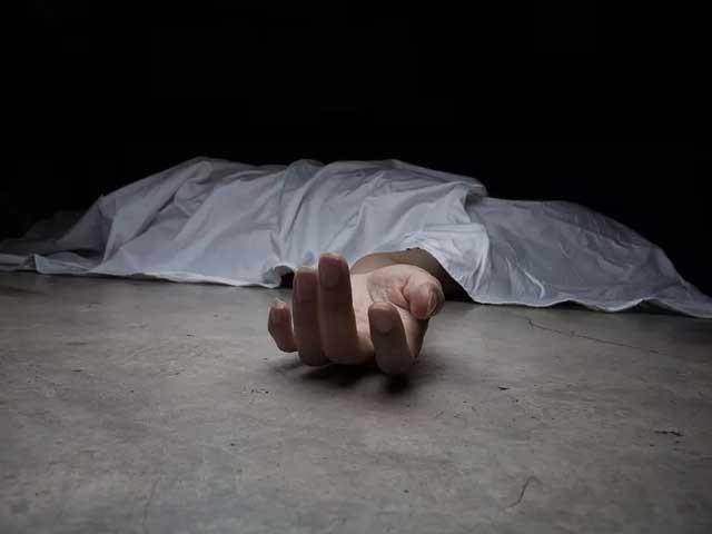 پولیس نے باپ کو تشدد کا نشانہ بناکر قتل کرنے والے ملزم طاہر کو گرفتار کرلیا ہے ۔(فوٹو:فائل)