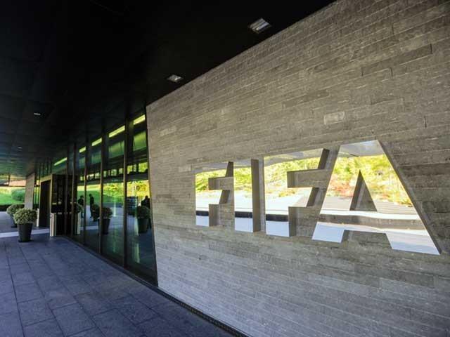 فیفا نے فیصلہ پاکستان فٹبال ہاوس لاہور پر قبضہ ختم نہ کیے جانے پر کیا