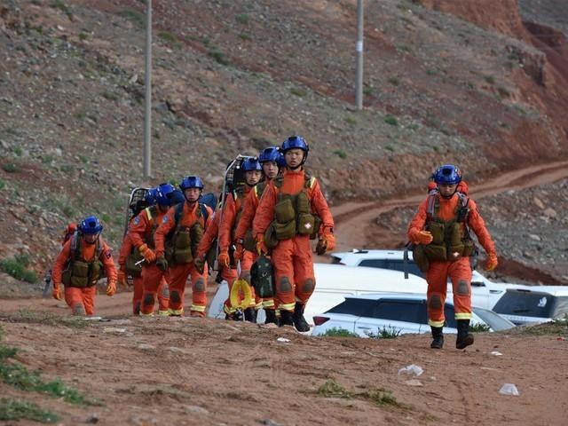 میراتھن میں 172 افراد شریک تھے جس میں سے  151 کو بحفاظت ریسکیو کرلیا گیا، چینی میڈیا۔ فوٹو : فائل