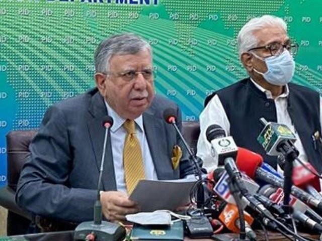 جب سے وزارت خزانہ کا قلمدان سنبھالا ہے اس وقت سے پٹرولیم مصنوعات کی قیمتوں میں اضافہ نہیں ہونے دیا، شوکت ترین . فوٹو : فائل