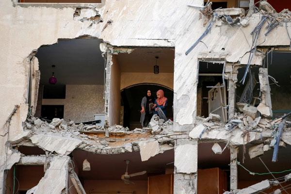 ایکسپریس نیوز - اسرائیل کی غزہ پر دوسرے روز بھی بمباری، شہید ہونے والوں کی تعداد 43 ہوگئی thumbnail