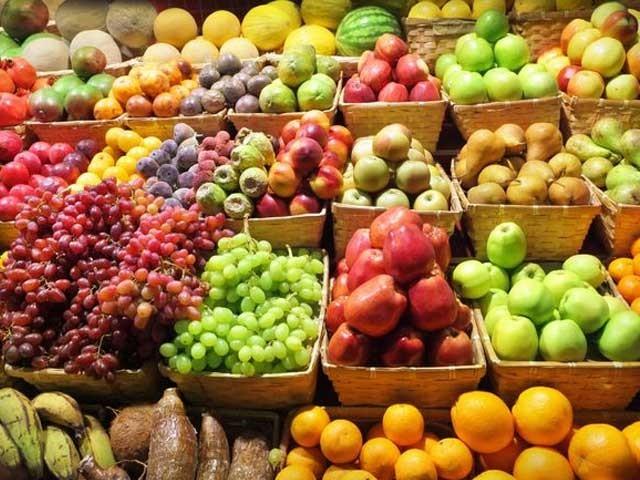 پھلوں کا باقاعدہ استعمال ذٰیابیطس کے خطرے کو دورکرتا ہے۔ فوٹو: فائل