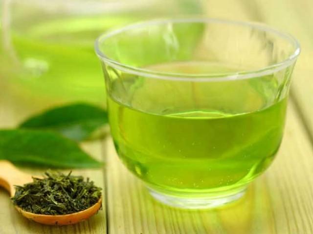 کورونا ویکسین کے مرض میں سفید چائے مفید قرار ۔ فوٹو: فائل