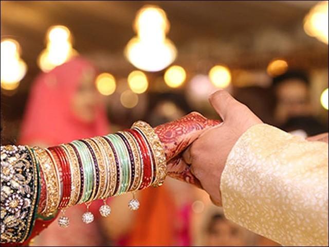 اس مسودہِ قانون کو رکن اسمبلی عبدالرشید نے گزشتہ ماہ سندھ لازمی شادی ایکٹ 2021ء کے نام سے پیش کیا تھا۔(فوٹو:فائل)