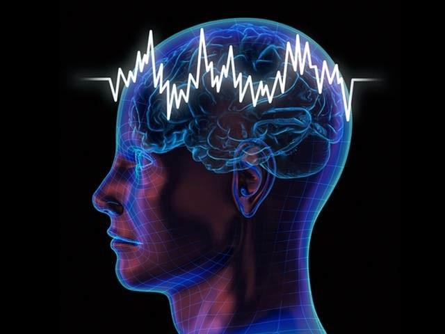 دماغی ای ای جی میں گیما لہروں کی کمزوری الزائیمر یا اس جیسے امراض کی نشاندہی کرتی ہے۔ فوٹو: فائل
