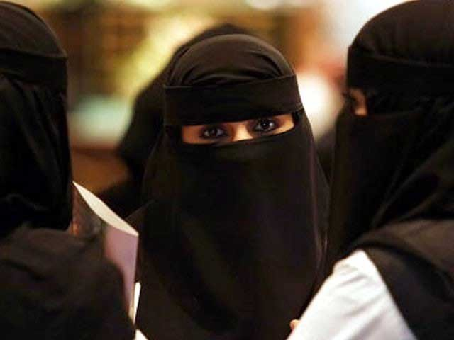 ویمن کمپلیکس کیلیے جاری 8 ملین میں سے اس اسکیم پر ایک روپیہ خرچ نہیں کیا گیا، روبینہ بروہی۔ فوٹو: فائل