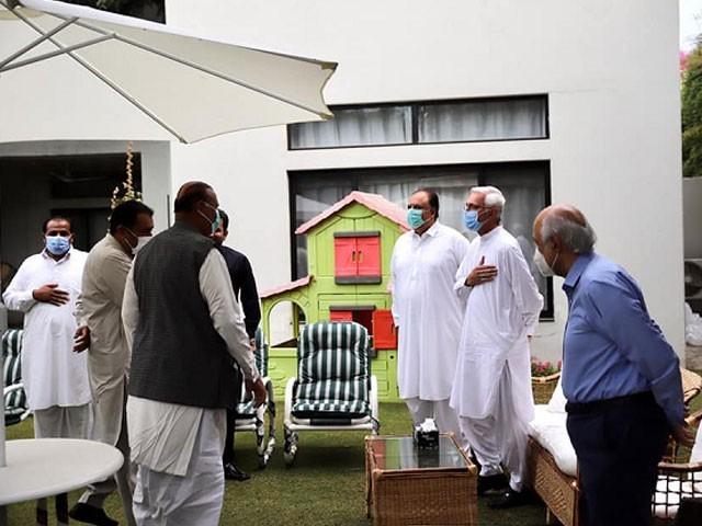 ترین گروپ نے پنجاب حکومت کے وعدوں پر عملدرامد کے حوالے سے بھی جائزہ لیا۔ فوٹو:فائل