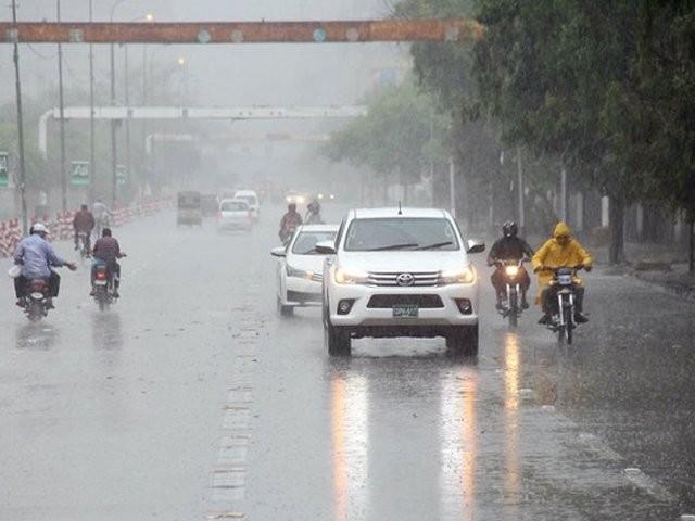 شہر قائد میں اس بار مون سون سیزن جلد شروع ہونے کی توقع ہے، محکمہ موسمیات۔ فوٹو : فائل