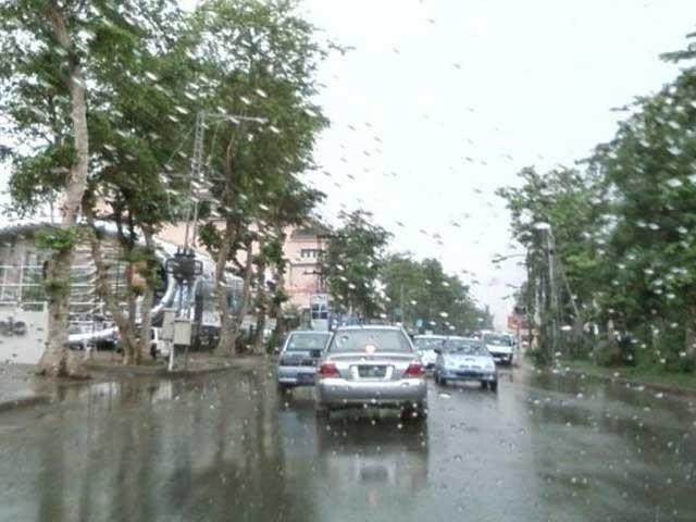 شہر میں بارش کے علاوہ گرد آلود ہوائیں چلنے کا بھی امکان ہے، محکمہ موسمیات ۔ فوٹو:فائل