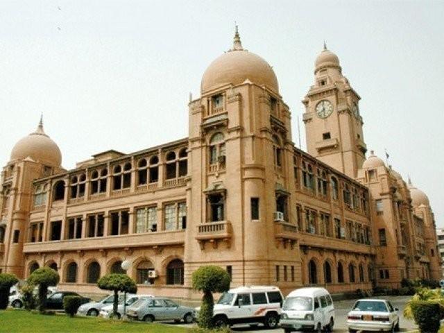 محکمہ بلدیات سندھ نے ملازمین کا ریکارڈ مرتب کرنے کا کام نجی کمپنی کے سپرد کیا تھا۔ (فائل فوٹو)