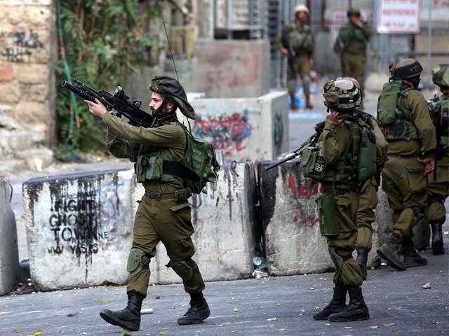 قابض اسرائیلی افواج نے بربریت کا مظاہرہ کرتے ہوئے 16 سالہ نوجوان کو گولی مار کر شہید کردیا۔ فوٹو : فائل