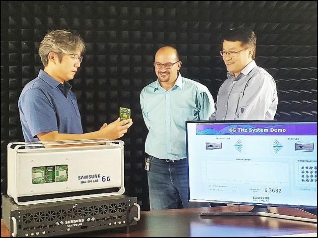 پروٹوٹائپ میں وہ ہارڈویئر بھی شامل ہے جو 6 جی موبائل کمیونی کیشن ٹیکنالوجی کو بنیاد فراہم کرے گا۔ (تصاویر: سام سنگ)