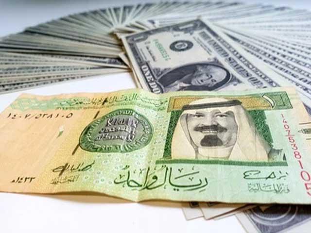 برطانوی پاؤنڈ اور یورو کرنسی کی قدروں میں کمی . فوٹو : فائل
