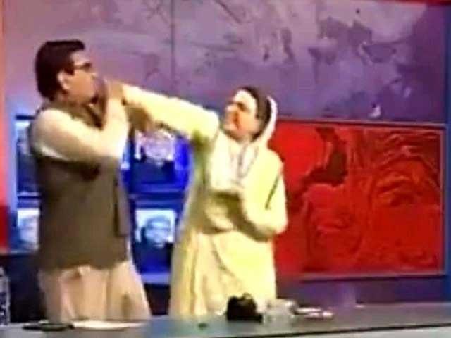 واقعے سے میرے ووٹرز اور اہلخانہ کو شدید صدمہ پہنچا ہے، قادر خان مندوخیل  فوٹو: فائل