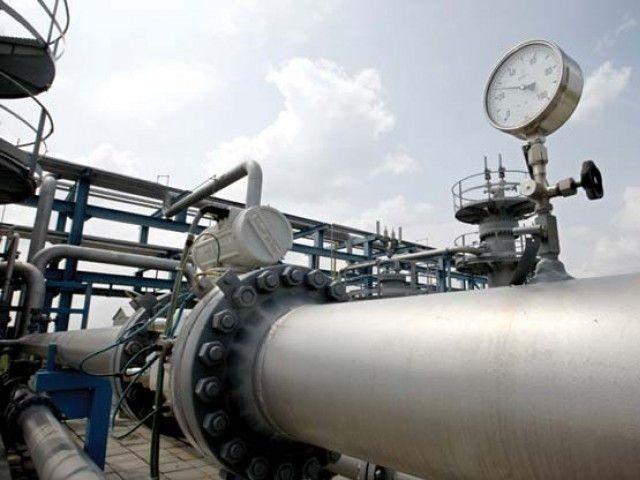 گھریلو صارفین کو گیس پہنچانے کی غرض سے نان ایکسپورٹ انڈسٹری کو 100 فیصد گیس کی ترسیل ختم کردی ہے، ترجمان (فوٹو:فائل)