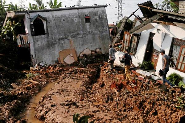 Srilanka flood killed 14 4
