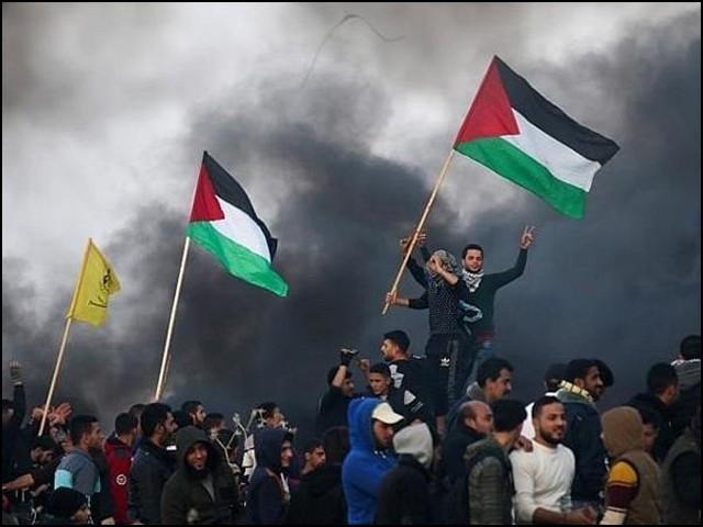 سوشل میڈیا نے اسرائیل کے ظلم بے نقاب کرکے فلسطینیوں کے ساتھ اظہار یکجہتی کو بین الاقوامی مہم بنا دیا۔ (فوٹو: فائل)