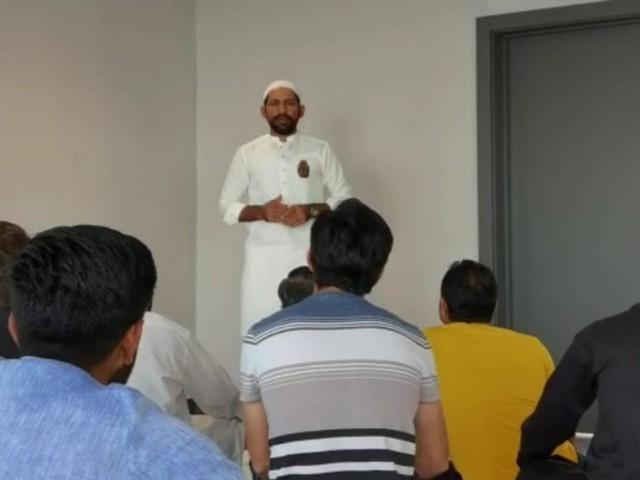 سرفراز احمد نے اس موقع پر خطبہ اور مختصر درس بھی دیا