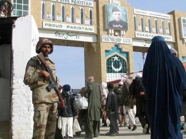 پاکستان میں داخل ہونے والے افراد کیلئے بارڈر پرکورونا ٹیسٹ لازمی ہے، لیویز حکام۔ فوٹو:فائل