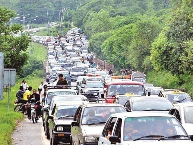 32 سو گاڑیوں کی گنجائش والے مری میں 38 ہزار گاڑیاں داخل