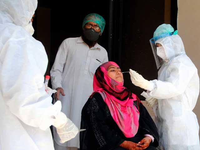 گرم پانی کے استعمال سے وائرس گلے سے معدے میں چلا جاتا ہے جہاں وہ ناکارہ ہوجاتا ہے، فوٹوفائل